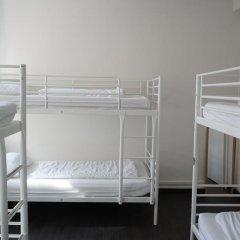 The Walrus Bar and Hostel Кровать в общем номере с двухъярусной кроватью фото 19