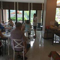 Отель Saranya River House питание