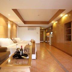 Отель Horizon Patong Beach Resort & Spa 3* Стандартный семейный номер разные типы кроватей фото 2