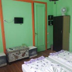 Отель Trakia Bed & Breakfast 2* Стандартный номер с 2 отдельными кроватями (общая ванная комната) фото 7