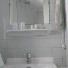 Отель Cactus 2* Номер категории Эконом с двуспальной кроватью (общая ванная комната) фото 4
