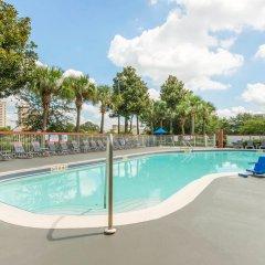 Отель Comfort Inn & Suites near Universal Orlando Resort бассейн фото 2