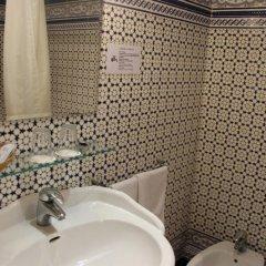 Отель Hostal Center Inn 2* Стандартный номер с различными типами кроватей фото 23