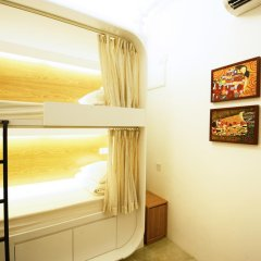 Отель 5footway.inn Project Ann Siang 2* Кровать в общем номере с двухъярусной кроватью фото 3