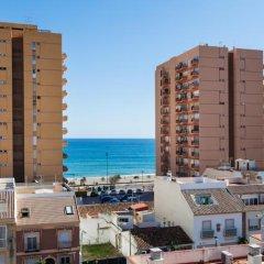 Отель Apartamentos Embajador Испания, Фуэнхирола - отзывы, цены и фото номеров - забронировать отель Apartamentos Embajador онлайн пляж фото 2