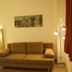 Отель Das Falk Apartmenthaus Германия, Нюрнберг - отзывы, цены и фото номеров - забронировать отель Das Falk Apartmenthaus онлайн комната для гостей фото 4