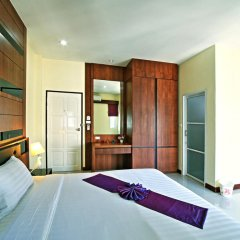 Отель At Phuket Guest House 2* Улучшенный номер с различными типами кроватей фото 3