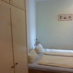 Buch-Ein-Bett Hostel Номер категории Эконом с различными типами кроватей фото 3
