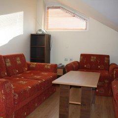Апартаменты Two-Bedroom Apartment in Bojurland Банско комната для гостей фото 4