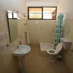 Gussys Hotel Ltd ванная фото 2