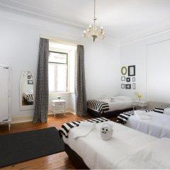 Отель Typical Lisbon Guest House Стандартный номер с различными типами кроватей фото 13