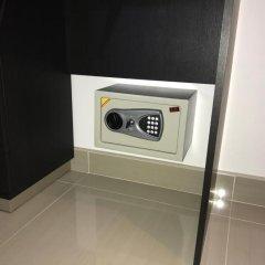 Отель Baan Dusit View 178/92 сейф в номере
