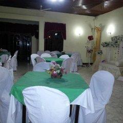 Отель Hansika Guest Inn Шри-Ланка, Бандаравела - отзывы, цены и фото номеров - забронировать отель Hansika Guest Inn онлайн помещение для мероприятий