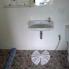 Отель But Different Phuket Guesthouse 3* Стандартный номер с различными типами кроватей фото 5