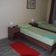 Отель Вояж 2* Кровать в общем номере фото 8