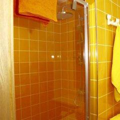 Отель Apartamenti Los Bomberos Латвия, Юрмала - отзывы, цены и фото номеров - забронировать отель Apartamenti Los Bomberos онлайн ванная фото 2