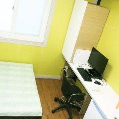 Отель Patio 59 Hongdae Guesthouse 2* Номер категории Эконом с двуспальной кроватью фото 3