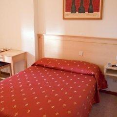Отель Residencial Lar do Areeiro 2* Стандартный номер с различными типами кроватей фото 8