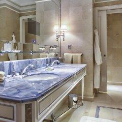 Отель Four Seasons George V Paris фото 5