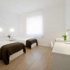 Отель NeoMagna Madrid 2* Улучшенный номер с различными типами кроватей фото 15