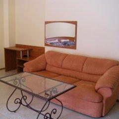 Апартаменты Palazzo Apartment Lew Солнечный берег комната для гостей