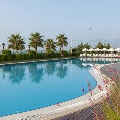 Crowne Plaza Hotel Antalya Турция, Анталья - 10 отзывов об отеле, цены и фото номеров - забронировать отель Crowne Plaza Hotel Antalya онлайн бассейн фото 3