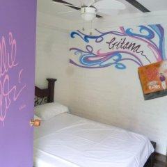 Viajero Cali Hostel & Salsa School Стандартный номер с различными типами кроватей (общая ванная комната)