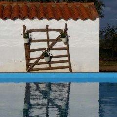 Отель Casa Rural Valdezaque Ла-Гарровилья бассейн фото 2