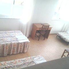 Отель Hostal Pineda удобства в номере