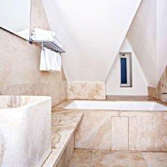 Отель Golden Crown 4* Улучшенный номер с двуспальной кроватью фото 26
