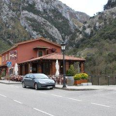 Отель Hostal Monte Rio парковка