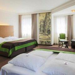 Отель Der Salzburger Hof Зальцбург сейф в номере