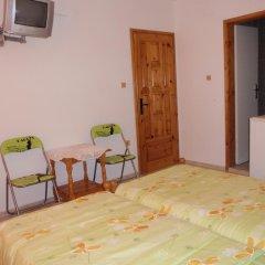Отель Guest House Cherno More Болгария, Поморие - отзывы, цены и фото номеров - забронировать отель Guest House Cherno More онлайн удобства в номере фото 2