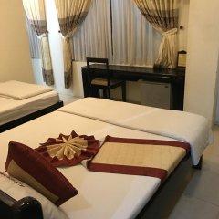 Canary Hotel 2* Улучшенный номер с 2 отдельными кроватями