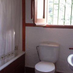 Отель Cortijo La Solana Испания, Гуэхар-Сьерра - отзывы, цены и фото номеров - забронировать отель Cortijo La Solana онлайн ванная фото 2