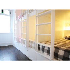 Liv'in Lisbon Hostel Кровать в общем номере с двухъярусной кроватью фото 4