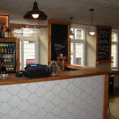 Отель Seagulls Garret Hostel Латвия, Рига - отзывы, цены и фото номеров - забронировать отель Seagulls Garret Hostel онлайн гостиничный бар