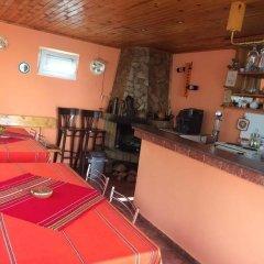 Отель Sunny House Madjare Guest House Болгария, Боровец - отзывы, цены и фото номеров - забронировать отель Sunny House Madjare Guest House онлайн гостиничный бар