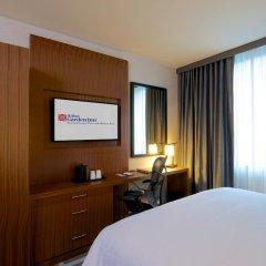 Отель Hilton Garden Inn New York/Central Park South-Midtown West 3* Стандартный номер с двуспальной кроватью фото 3