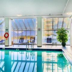 Отель Pinnacle Hotel Harbourfront Канада, Ванкувер - отзывы, цены и фото номеров - забронировать отель Pinnacle Hotel Harbourfront онлайн бассейн фото 2