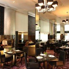 Отель Radisson Suites Bangkok Sukhumvit Бангкок питание