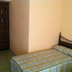 Отель Hostal Paracuellos Стандартный номер с двуспальной кроватью