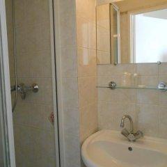 Отель De Paris Montmartre Париж ванная