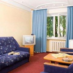 Гостиница Казацкий на Антонова комната для гостей фото 2