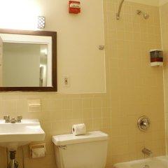 Отель Americana Inn 2* Стандартный номер с двуспальной кроватью (общая ванная комната) фото 11