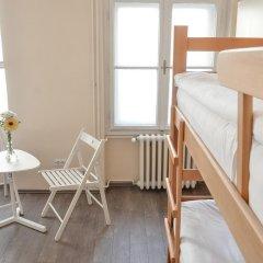 Roommates Hostel Кровать в общем номере фото 11