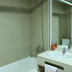 Отель Hostal Fina Испания, Барселона - отзывы, цены и фото номеров - забронировать отель Hostal Fina онлайн ванная фото 2