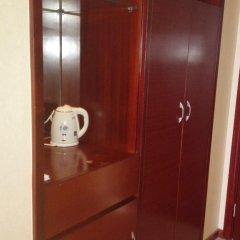 Guangzhou Junhong Business Hotel сейф в номере