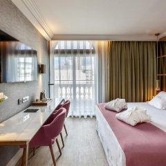 Отель Barceló Emperatriz 5* Номер категории Премиум с различными типами кроватей фото 11