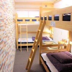 Отель K's House Tokyo Кровать в общем номере фото 5